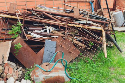 Fotografía Scrap metal pile junk yard waste for recycling environment.