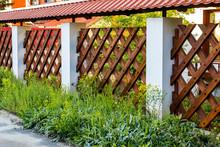 Dark Decorative Wooden Fence T...