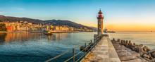 Vue Panoramique Sur L'entrée Du Port De Bastia En Corse