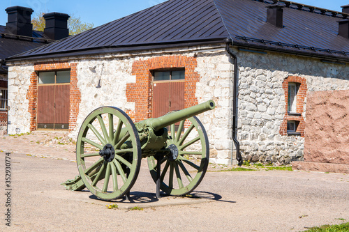 Canvas Old cannon in Lappeenranta Fortress, Finland