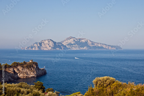 Photo panorama of Capri seen from Termini