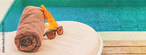 Fotografia, Obraz Suntan summer vacation panoramic of swimming pool background