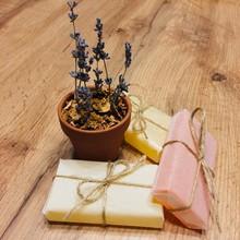 Handmade Ikebana Dried Lavender Bunch Rose Damascene Petals Homemade Soap Bars With Jasmine Petals Flowers, Honey And Oatmeal Extract