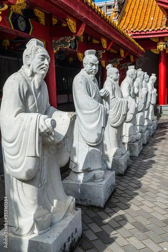 Fotografie, Tablou Statues in the Confucius Shrine, Nagasaki, Japan