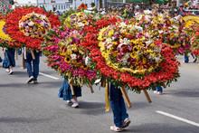 Tradicional Desfile De Silleteros En Medellin, Colombia, Durante La Feria De Las Flores En Agosto De 2019