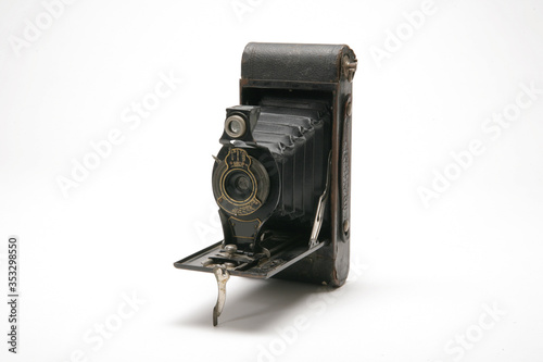 Vintage handheld medium format film camera with black leather bellows Canvas Print