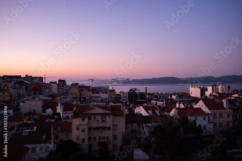 Fototapeta Early spring morning over Lisbon obraz na płótnie