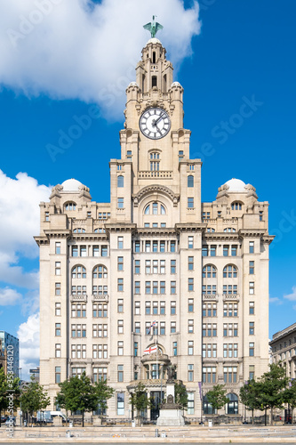 Canvastavla The Royal Liver Building, a symbol of the city of Liverpool
