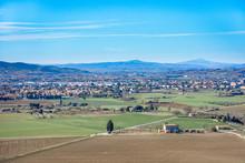 Valle De La Toscana Con Poblad...