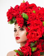 Fototapeta Do Salonu Kosmetycznego Beautiful woman face surrounded by red roses. Perfect skin. Professional makeup.