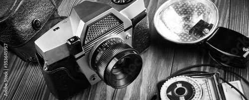 Foto Old vintage photo camera, flash and exposure meter