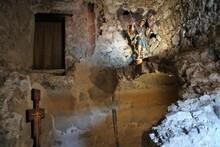 Maddaloni -  Grotta Di San Michele Arcangelo