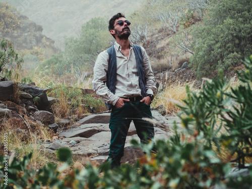 Fényképezés classic man exploring the mountain