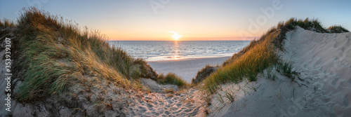 Tablou Canvas Dune beach panorama at sunset