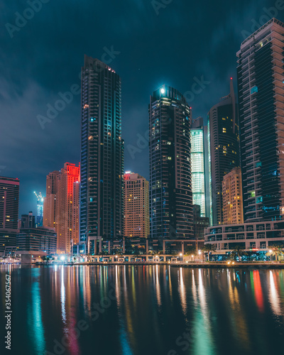 Fototapety, obrazy: Dubai skyline at night