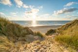 Fototapeta Fototapety z morzem do Twojej sypialni - Beautiful sunset at the beach