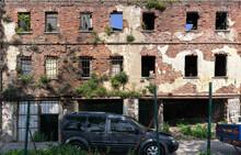 Old Adandoned Ruin Building Br...