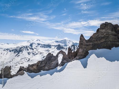 Obraz na plátne Montagne enneigée aiguille percée à Tignes en Savoie depuis un drone