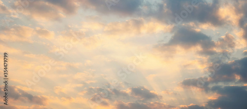 Beautiful sunset sky above clouds with dramatic light Canvas-taulu