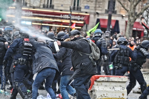 Fotografiet Black lives matters riots usa smoke destruction