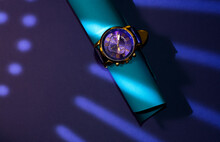 Stylish Wristwatch With Blue L...