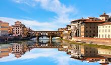Ponte Vecchio Over Arno River ...