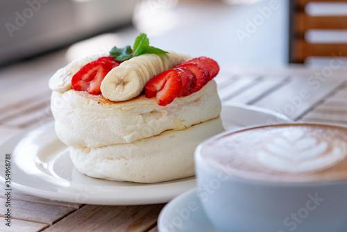 Fototapeta イチゴとバナナのパンケーキ obraz