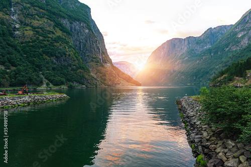 Beautiful idyllic mountain landscape Fototapete