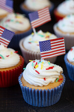 American Flag Cupcakes For July 4th Decoration