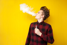 Guy Hipster Smokes An Electron...