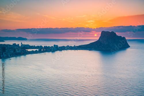 Photo Amanecer en Calpe, desde el morro de Toix, Marivilla, con vistas al peñón de ifa