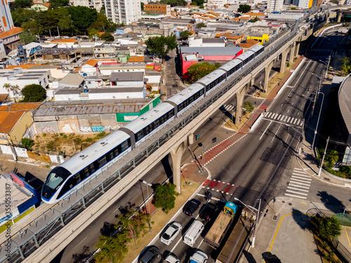 Fotografie, Tablou Vista da Linha 15 - Prata do Metrô, na zona leste de São Paulo (SP), na manhã desta segunda feira (1)