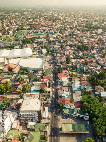Valokuvatapetti Las Pinas, Metro Manila - June 2020: Aerial of Marcos Alvarez Road