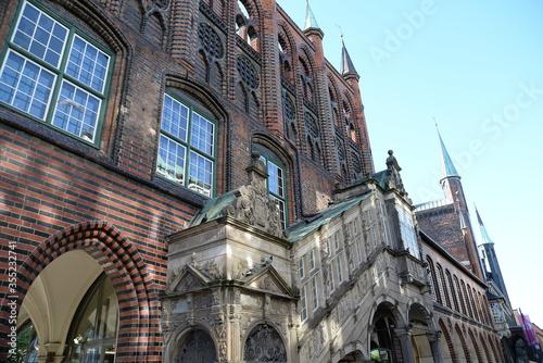 Obraz Rathaus in Luebeck - fototapety do salonu