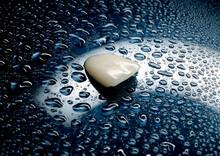 One Veneer With Water Drops