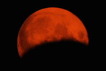 Gorgeous Blood Moon Eclipse