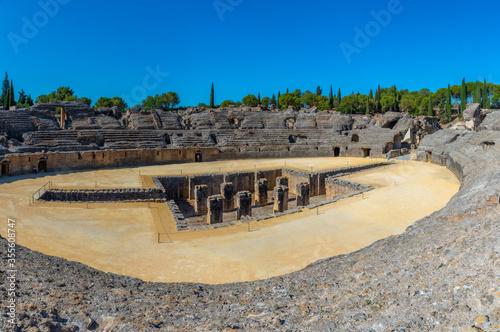 Photo The Roman amphitheatre at Italica, Spain