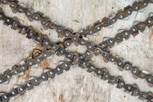 Chains For Chainsaws On An Ext...