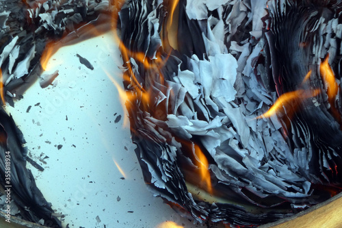 Obraz na plátně Papierverbrennung