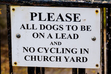 Keep All Dogs On Lead Sign On ...