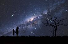 Dzieci Obserwujące Rój Meteo...