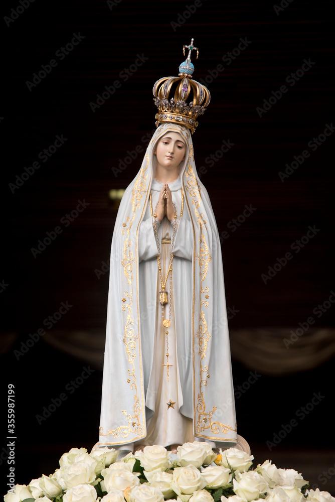 Fototapeta Statue of Our Lady of Fatima, Portugal