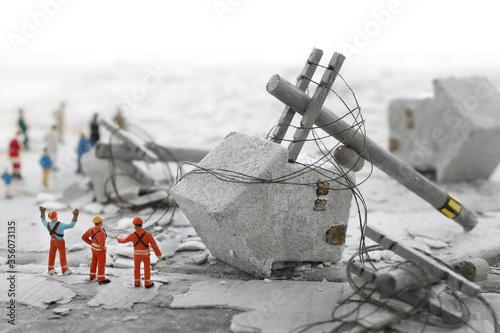 災害で壊れた街並みのジオラマ風景 Canvas