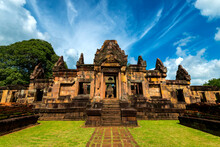 Prasat Maung Tam Beautiful Sto...