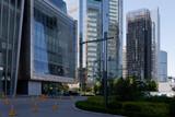 Fototapeta Londyn - Nowoczesne szklane wieżowce dzielnicy biznesowej