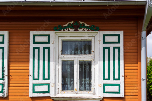 Architektura i zdobnictwo drewnianych domów na Podlasiu, wieś Wojszki, Polska Tablou Canvas