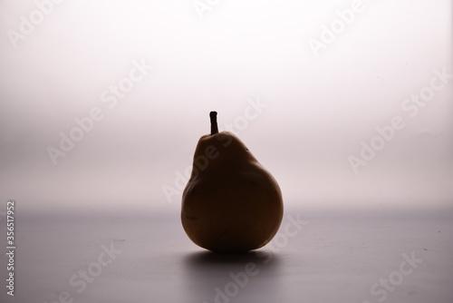 Obraz na płótnie pear on black