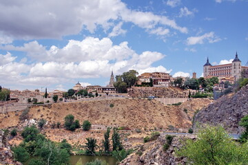 Fototapeta na wymiar Panorama of the old city of Toledo, the former capital of Spain.