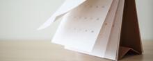 Calendar Page Flipping Sheet O...