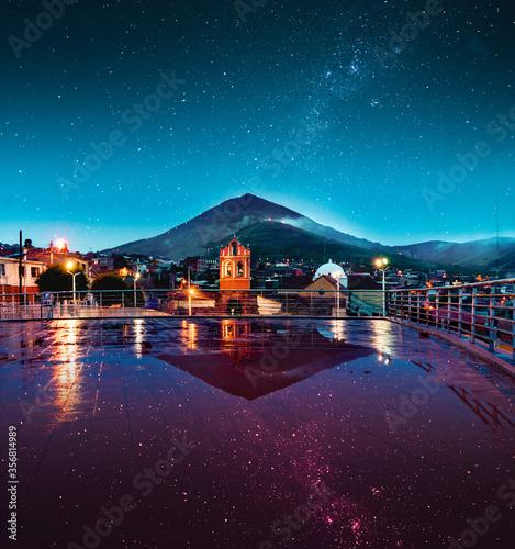 Vista mágica  en la Villa Imperial, niebla y estrellas Canvas Print